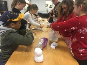 building_snowmen